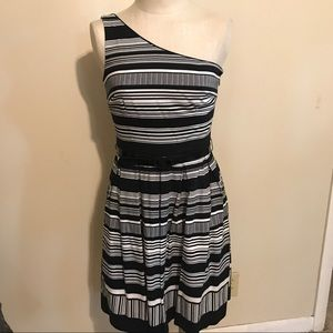 White house black market 1-shoulder dress size 6